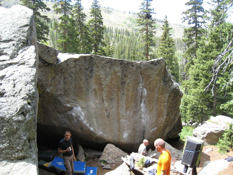 Rock Climbing Photo: This picture depicts the south face of the Seurat ...