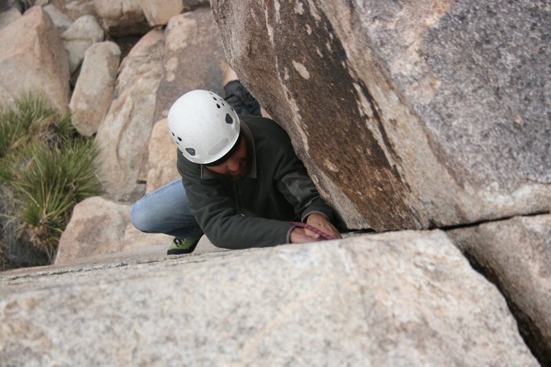 Rock Climbing Photo: Nate on False Classic Corner. 11-28-09