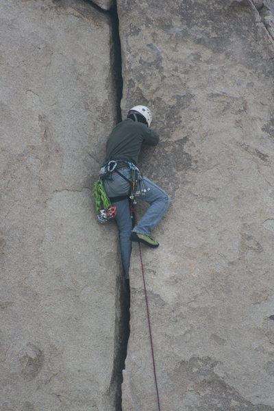 Rock Climbing Photo: Nate leading Granny Goose. 11-28-09