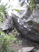 Rock Climbing Photo: Ludders Pinch Low begins down and left from the re...
