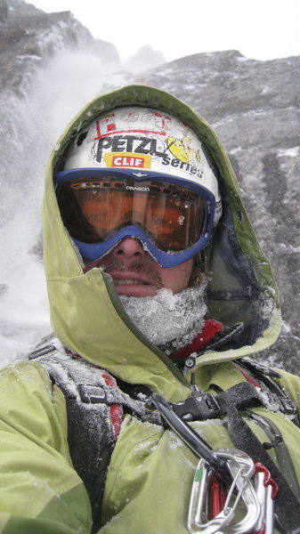 Just before we bailed on P1, full conditions Oct 24th, 09'. The spindrift above my head would not let up!