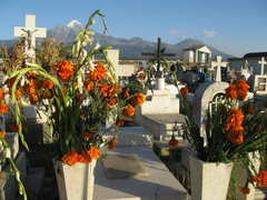 Rock Climbing Photo: View of Pico de Orizaba from the cemetery in Tlach...