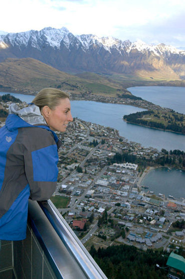 Marisa Fienup enjoys the stunning view over Queenstown (South Island, New Zealand)