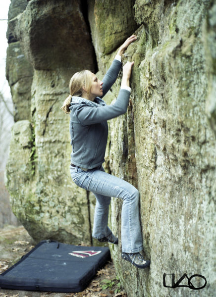 Rock Climbing Photo: Melissa working a VB traverse, in late November 20...