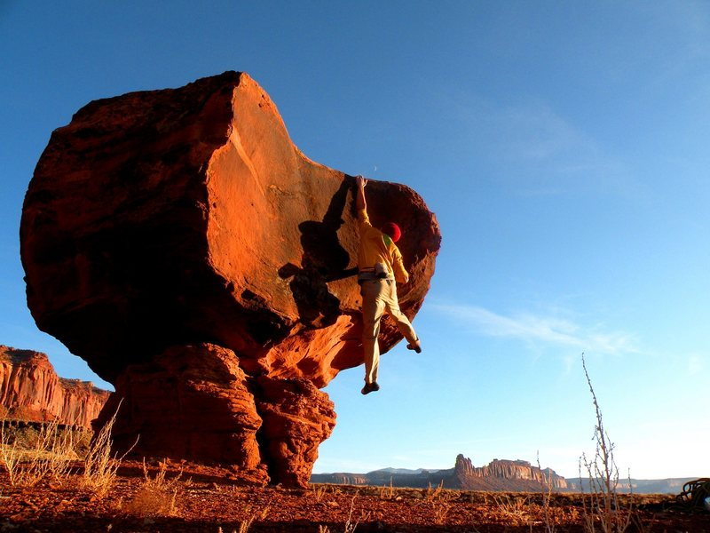 Rock Climbing Photo: A cool boulder near the Dissapointment Cliffs
