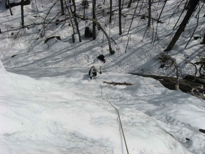 Rock Climbing Photo: Jenn comes up P1 of Crane Mountain's Waterfall ice...
