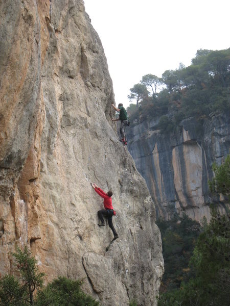 "Climbers enjoying a pair of good moderates at the right end of Espero Primavera: ""Penitenciagite"" 6b, & ""Ferralladura"", 5+."