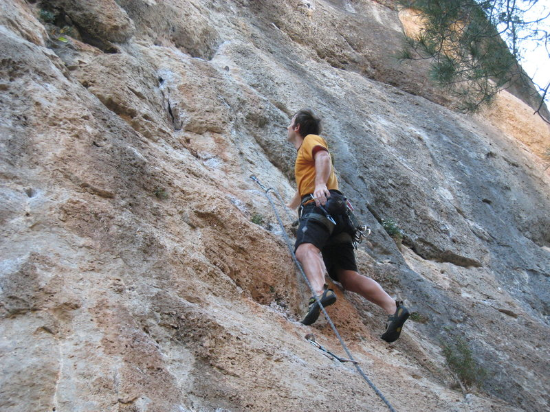 "Rock Climbing Photo: Enjoying the creamy pockets of ""Mayling""..."