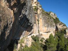 Rock Climbing Photo: The impressive Campi cliffband.