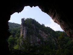 "Rock Climbing Photo: Inside the cave where ""Predator"" lives"