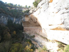 Rock Climbing Photo: The left side of L'Olla.  These routes begin on a ...
