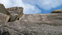 Rock Climbing Photo: A somewhat thrutchy offwidth start (not in view he...