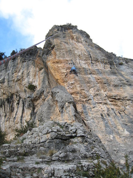 Objetivo M climbs the aesthetic steep face just right of the arete.