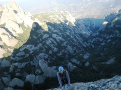 Rock Climbing Photo: Finishing up P4, with the Monastery in the distanc...