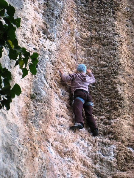 Rock Climbing Photo: Cruising the steep groove.