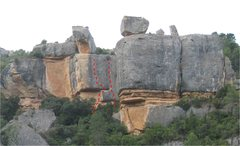 Rock Climbing Photo: Lo Xispero follows the right red line.