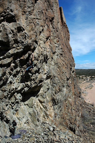 Rock Climbing Photo: Ian Mcmillan nearing the end of the first difficul...
