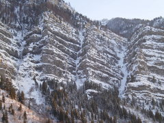 Rock Climbing Photo: (12-17-09) Avalanche debris below Millers Thriller...