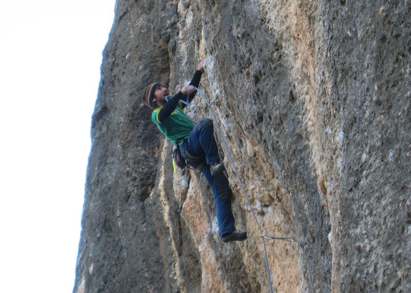 Rock Climbing Photo: The pumpy lower bulge of Montgronyeta.