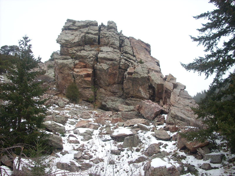 East face of Cartoon Crag as seen from parking area.