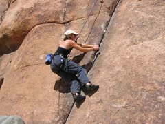 Rock Climbing Photo: 10a crack on Short Wall, Indian Cove, Joshua Tree
