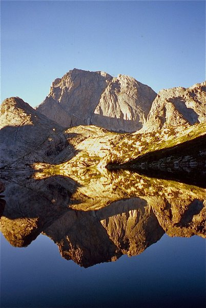 Rock Climbing Photo: Temple Peak across Deep Lake.