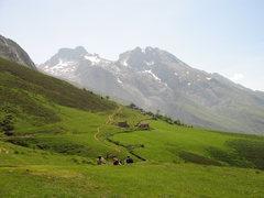 Rock Climbing Photo: Mountain scenery on the way to El Naranjo.
