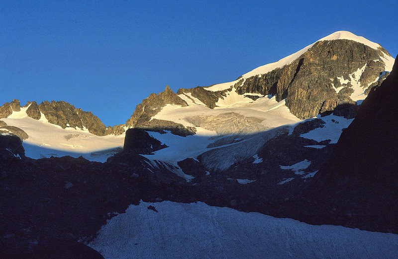 Rock Climbing Photo: Sunrise on Gannett Peak, Aug 1997