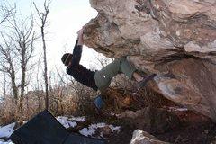 Rock Climbing Photo: Traverse Boulder.