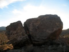 Rock Climbing Photo: Mullet Bloc (North Face), Joshua Tree NP