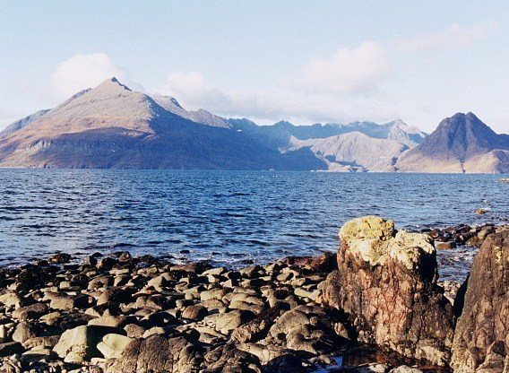 Rock Climbing Photo: Looking towards the Cullins of Skye from the main ...