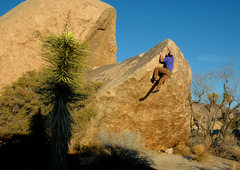 Rock Climbing Photo: Charlie Barrett on 'Shipwreck' v3, Real Hidden Val...