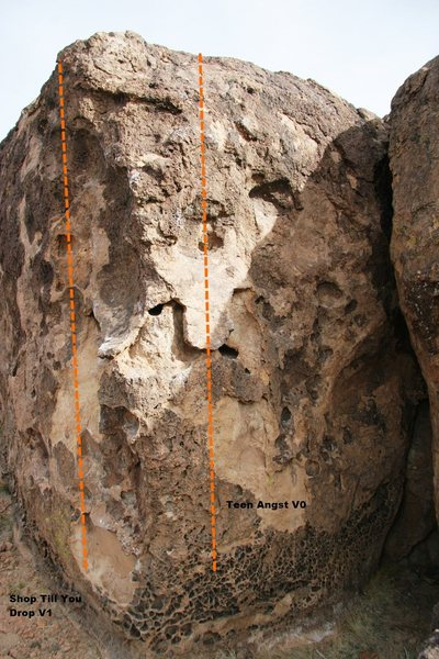 Bomber Boulder Right Topo