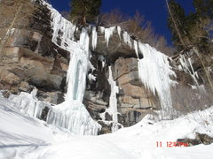 Rock Climbing Photo: Booth Creek conditions 12/11/05: Saddam Insane (le...