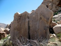Rock Climbing Photo: Anvil Boulder, Joshua Tree NP