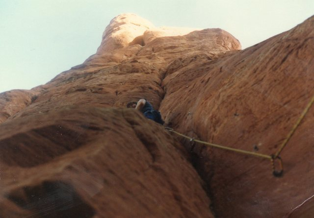 Rock Climbing Photo: Climbing the softest sandstone in Sedonaat Cathedr...