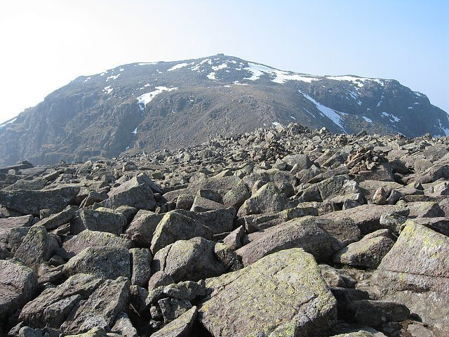 Rock Climbing Photo: Looking towards the summit of Scawfell Pike 3210' ...