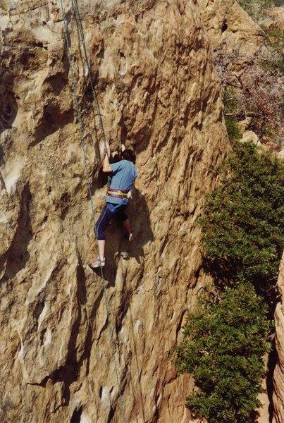 Rock Climbing Photo: Arthur Grimshaw on Center Route.