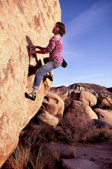 Rock Climbing Photo: Bill Price bouldering at Turtle Rock Boulders. Pho...