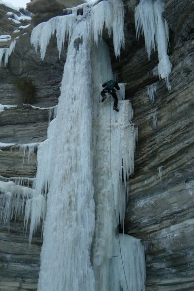 Rock Climbing Photo: Overhanging, no pro, possible X factor fall, this ...