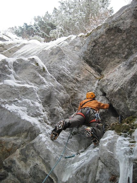 Rock Climbing Photo: Unknown, trad, mixed line West of the West Firehou...