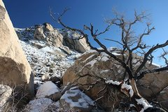 Rock Climbing Photo: Snow on the Cowboy Crags, Joshua Tree NP