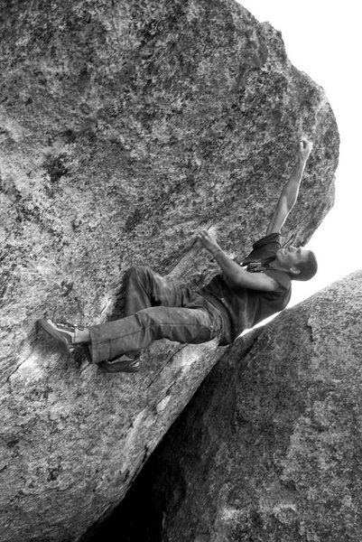 Rock Climbing Photo: Chas Waterman on 'Flyboy' v6/7