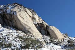 Rock Climbing Photo: January snow on the Cowboy Crags, Joshua Tree NP