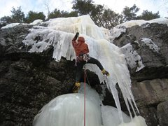 Rock Climbing Photo: John crankin' the roof at Trollville 1-26-10