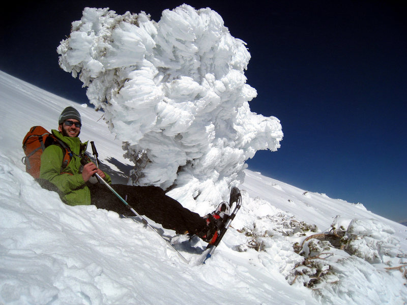 Rock Climbing Photo: Partway up Baldy Bowl with cool ice formations on ...