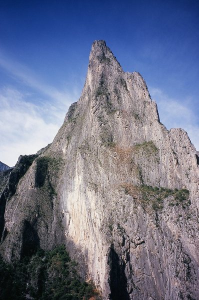 Time Wave buttress is the left side of the massive peak. Outrage is the light and exfoliated wall on the lower left side.