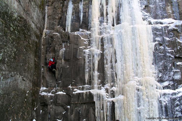 Rock Climbing Photo: Sandstone Ice Fest