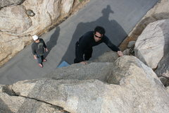 Rock Climbing Photo: Roger on the north end roadside boulders with Al s...