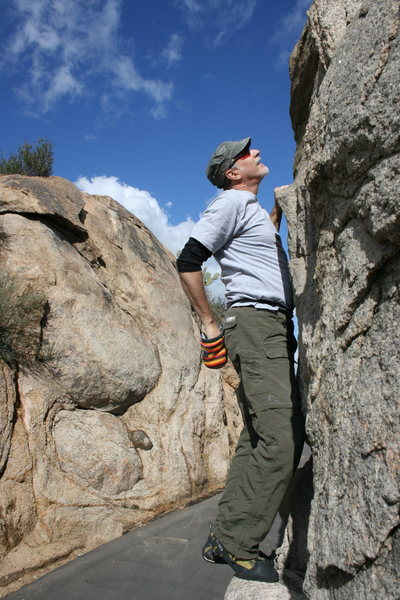 Rock Climbing Photo: Me on the north end roadside boulders. 2-7-10